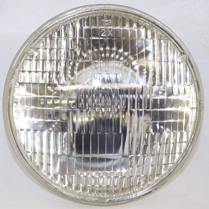 "Chevrolet Parts -  Headlight, Clear Sealed Beam #1185A 6v 7"" 3 Prong Plug"