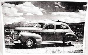 Photo: 4-Door Sedan - Special Deluxe Photo Main
