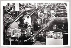 Photo: Chevrolet Assembly Line Photo Main